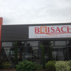 Brisach - Fabrication + Pose